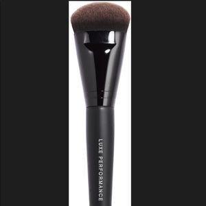 Bare Minerals foundation brush